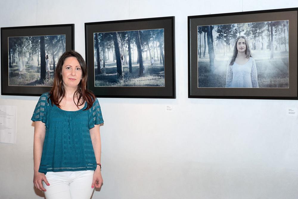 Maria Athanasiou photography ekthesi hide and seek